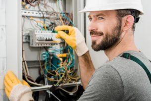 Электрик с правами UDT на 1P (подъемники) 1 | hr-freelance.com